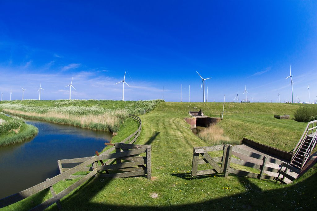 along-the-coast-of-the-province-of-groningen-www-fotogewoon-nl_-9
